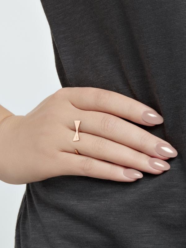 Pierścionek z kokardką różowe złoto minimalistyczna biżuteria moie