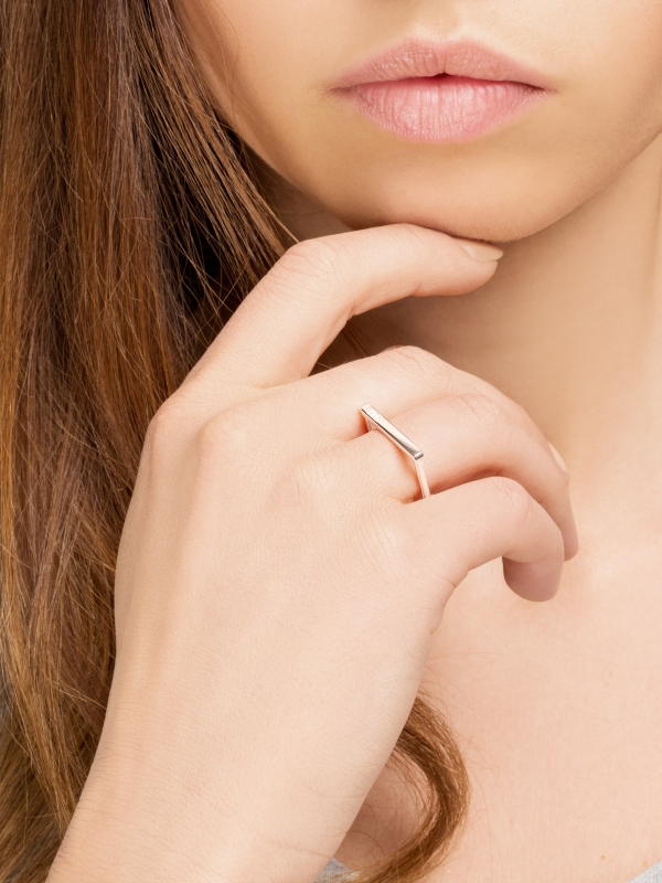 MOIE Srebrny prosty pierścionek minimalistyczna biżuteria moie