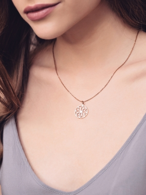 Naszyjnik z zawieszką re2 rose gold różowe złoto minimalistyczna biżuteria moie