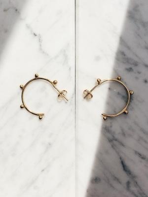 Kolczyki małe kółka re9 gold złoto minimalistyczna biżuteria moie